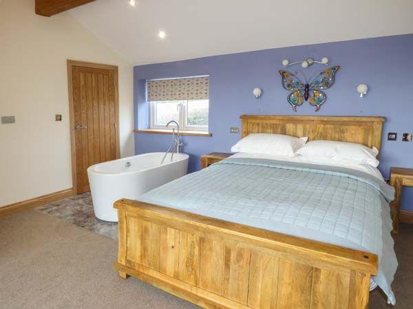 Bluebell Cottage Bedroom 2